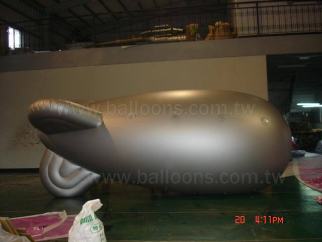 20ft long custom inflatable fins blimp客製圓形軟翅飛船氣球