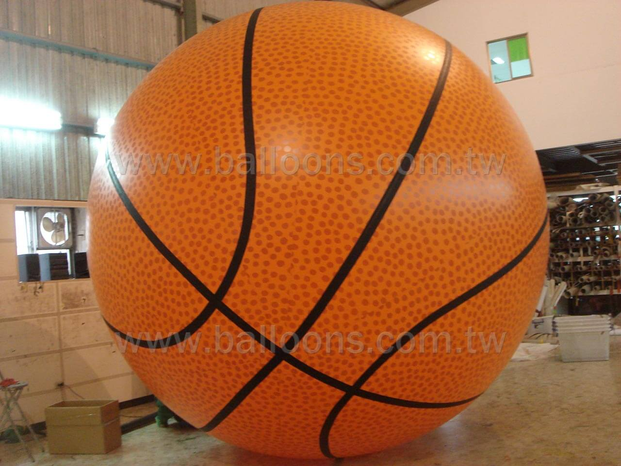 Inflatable advertising basketball balloon with printed patterns藍球廣告氣球