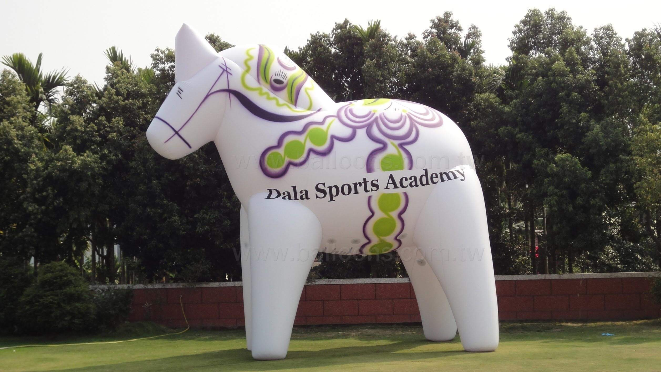 Inflatable advertising painted horse balloons大型彩繪白馬廣告氣球